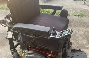 Heavy duty quantum edge power wheelchair