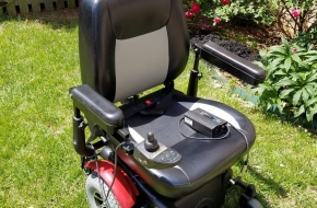 Mobile chair /Scooter- Merits Vision Super – Like New! Plus 2 NEW batteries