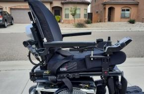 Quantum iLevel power chair w/power hoyer lift