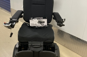 2018 Quantum 4Front Power Wheelchair