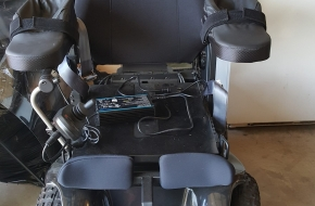 X8 Extreme 4 x 4 outdoor power wheelchair
