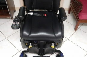 Quantum 614 Power Wheelchair