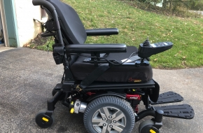 Pride Q6 Edge Z Powerchair