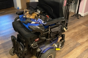 Pride Quantum J6 Wheelchair w/Full lift Legs, 19 inch seat