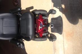 Quantum Edge 2.0 Power Wheelchair – like new