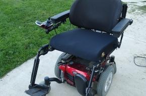 Quantum 6Edge power wheelchair