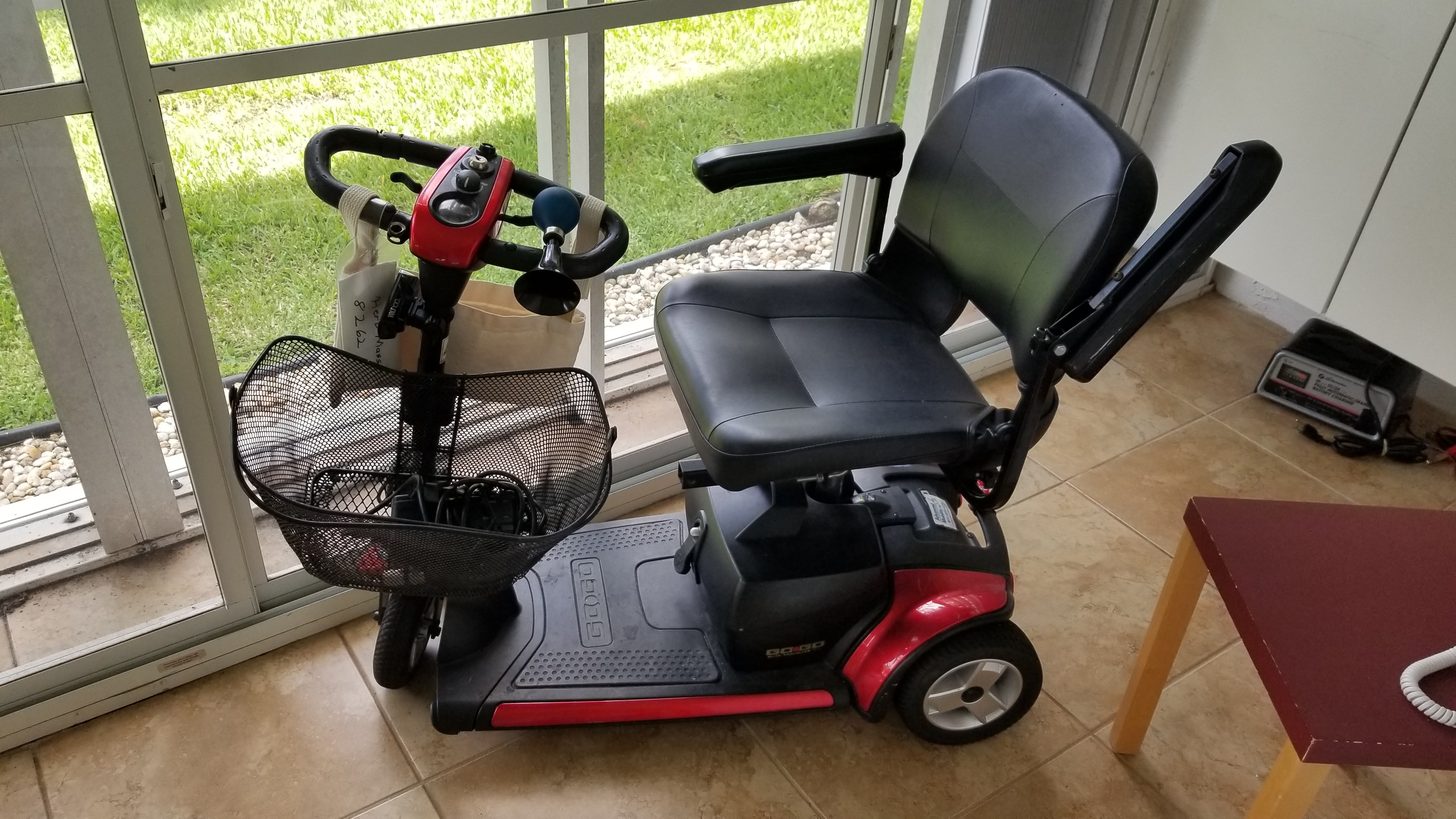 Used Mobility Scooters For Sale >> Go Go Elite Traveller Plus 3 Wheel Mobility Scooter Buy Sell