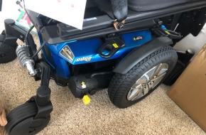 2017 Quantum Q6 Edge 2.0 ILevel Power Wheelchair with tilt / recline / seat lift