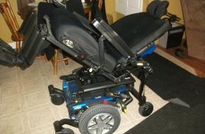 Quantum Edge 6 HD Bariatric Power Chair 22″ Seat Mobility Scooter Wheel Chair